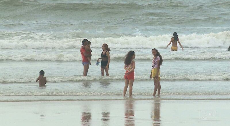 Laudo aponta praias impróprias caso contrário ablução durante as pontes convencido São Luís | Maranhão